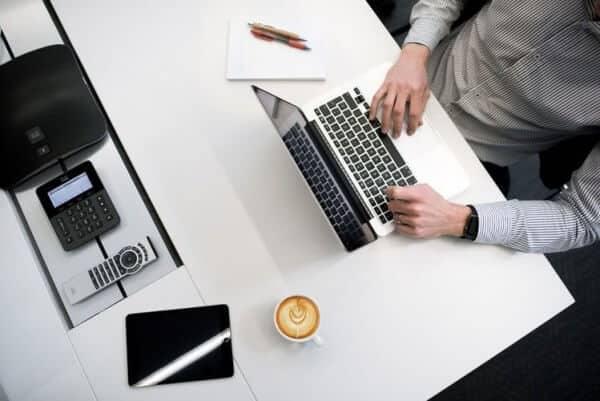 Bisa Bekerja dari Mana Saja, Inilah Cara Mendapatkan Uang dari Internet